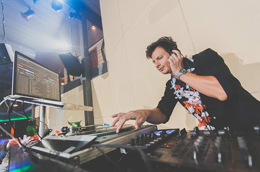 DJ Zvi miller
